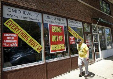 En Illinois negocios de servicio cierran permanentemente/More Illinois service businesses shuttering