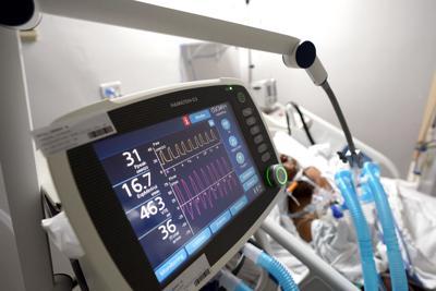 En medio de la pandemia de COVID-19, los hospitales usualmente no pueden reparar sus propios ventiladores  /  Amid COVID-19 pandemic, hospitals usually can't fix their own ventilators