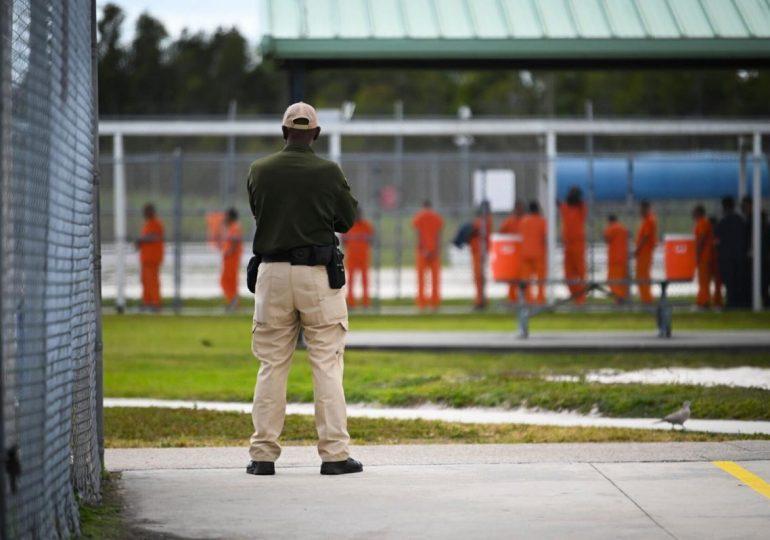 Musulmanes detenidos por ICE obligados a elegir/Muslim ICE detainees forced