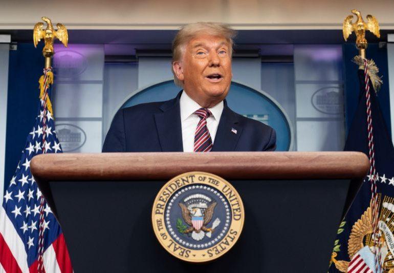 El analista conservador Karl Rove cree que Trump no podrá voltear elecciones