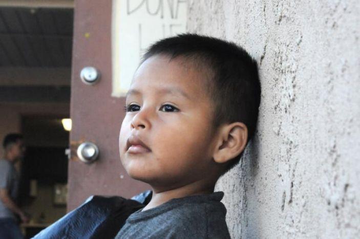 Juez ordena al Gobierno Trump detener la expulsión de menores no acompañados