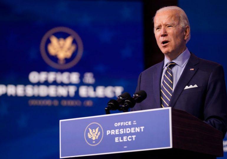 Joe Biden estalla contra la administración de Trump por el ritmo de la vacunación