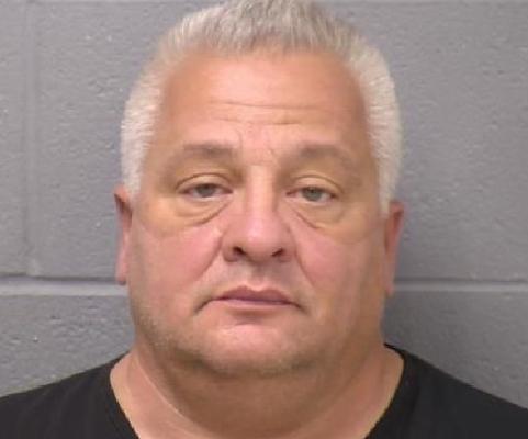 Acusan a propietario de compañía de reparación de viviendas de fraude y robo/Home repair company owner accused of fraud and theft