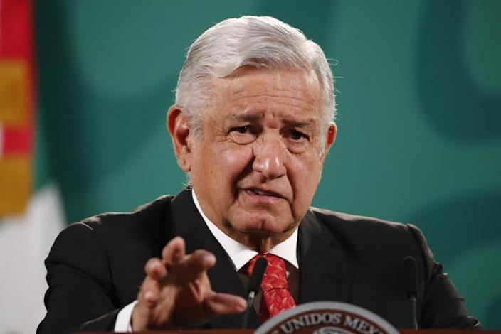 El espejo del populismo: cinco parecidos entre López Obrador y Abascal David Jiménez