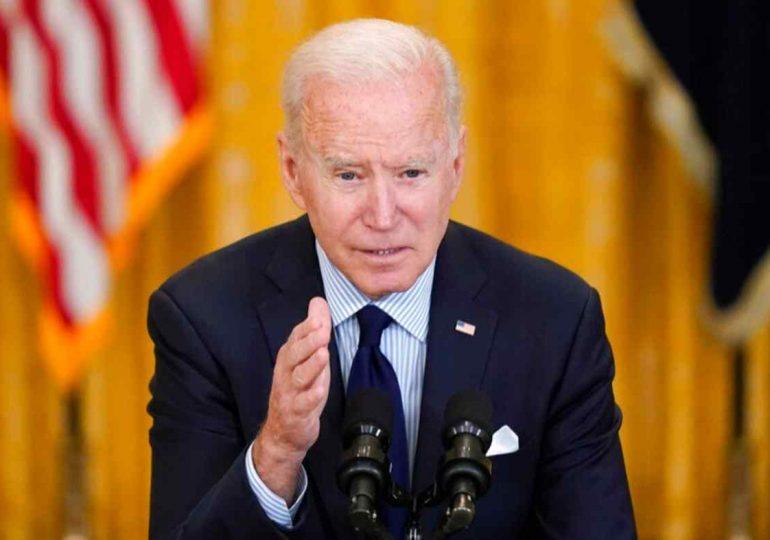 Biden anuncia que Estados Unidos compartirá más vacunas contra el covid-19 con países de todo el mundo