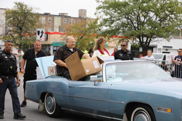 Cicero celebró el 53 ° festival y desfile anual de Houby/Cicero Celebrates 53rd Annual Houby Festival and Parade