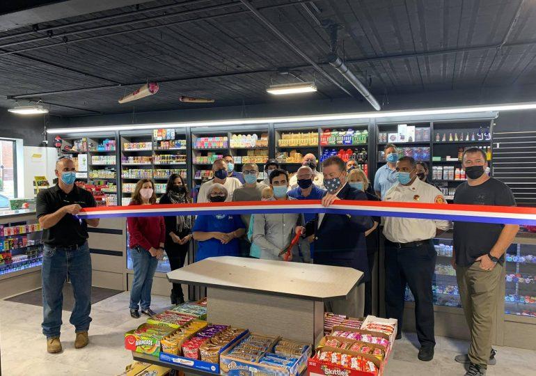 El alcalde Walik inaugura nuevo negocio en Stickney/Mayor Walik Launches New Business in Stickney